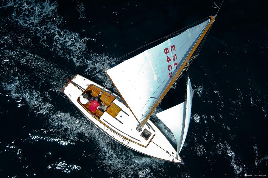 Puzzle Rompecabezas del Mundo Marino. Folk Boat Esp-8462 navegando por Bahía de Altea