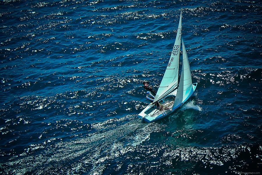 Puzzle Rompecabezas del Mundo Marino. Flying Dutchman Esp-91 navegando por Bahía de Altea