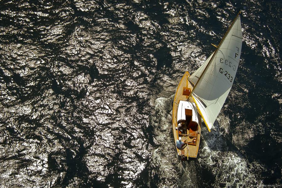 Puzzle Rompecabezas del Mundo Marino. Folk Boat G-233 Navegando por Bahía de Altea